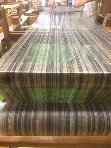 機織り-絹着尺-経巻き